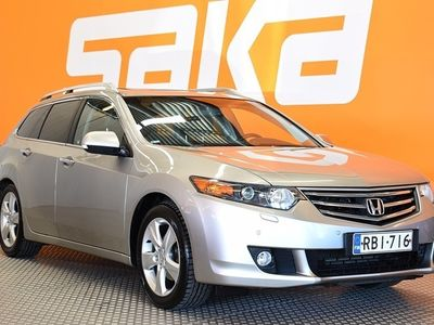 käytetty Honda Accord Tourer 2,0 Executive AT ** Suomi-auto / Vetokoukku / Lasikatto / Parkkitutkat / Muistipenkki / Sähkökontti / Nahkasisusta **