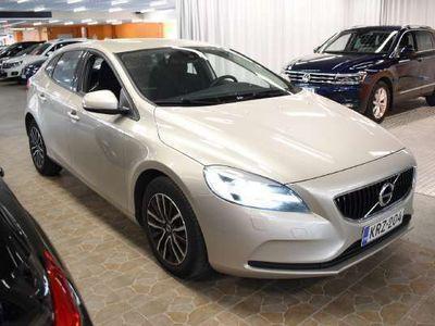 käytetty Volvo V40 D2 Business aut ** Merkkihuollettu / Pa. Lisälämmitin / Suomiauto / LED-Ajovalot / Facelift **