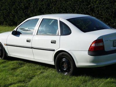 käytetty Opel Vectra 1.6i 16V 4D Sedan