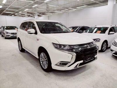 käytetty Mitsubishi Outlander P-HEV Instyle Business 4WD 5P
