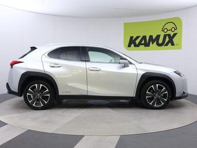 käytetty Lexus UX 250h AWD Executive // Adapt.cruise / Akt.kaistavahti / Nahkaverhoilu //