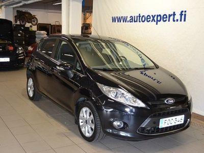 käytetty Ford Fiesta 1,25 82 hv Ghia M5 5-ovinen. Korkotarjous 1.5% !!