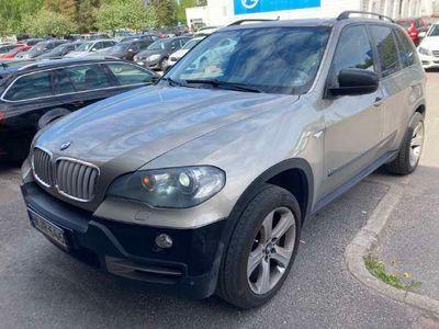 käytetty BMW X5 E70 SAV ** Proffa Navi / Panorama / Parkkitutkat / Comfort-penkit / Nahkasisusta / Xenon **