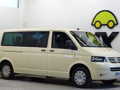 käytetty VW Caravelle 2,5 TDI 96 kW aut. / ISTUIMET 9:LLE / VETOKOUKKU /