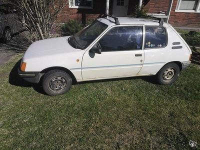 käytetty Peugeot 205