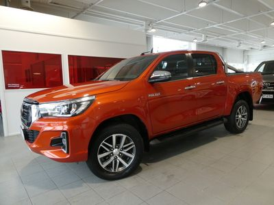 käytetty Toyota HiLux Double Cab 2,4 D-4D 150 4WD Premium 50 Edition Automaatti 2-paikkainen - **Korkotarjous 1,59%** - *ALV-vähennyskelpoinen, HUIPPUVARUSTEET*