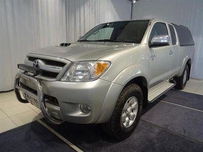 käytetty Toyota HiLux Extra Cab 2,5 D-4D 120 4WD SR AC