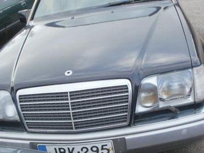 käytetty Mercedes E200 4d sedan diesel -94