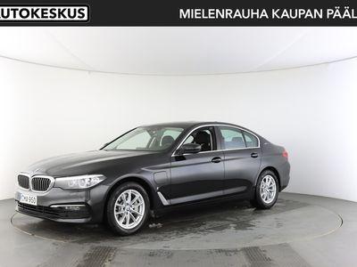 käytetty BMW 530 5-sarja G30 Sedan e A Charged Edition - Tehokas, tyylikäs ja taloudellinen kattavasti varusteltu Premium-luokan ladattava hybridi