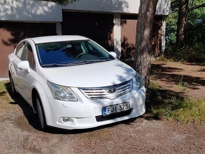käytetty Toyota Avensis 1.6 bensiini