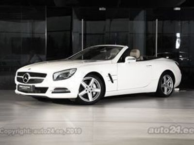käytetty Mercedes SL350 3.5 V6 225kW - Luxury Collection Automobiles