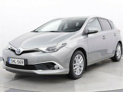 käytetty Toyota Auris 1,8 Hybrid Premium #1.om. #vähän_ajettu! #vetokoukku #avaimeton #tutkat+kamera #siisti!