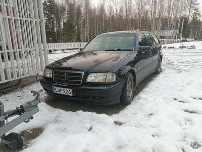käytetty Mercedes C180 2.0L- 2001
