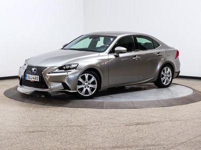 käytetty Lexus IS300h F Sport A - Suomi-auto, huoltokirja, tehokas mutta taloudellinen hybridi F-Sport-varusteilla!