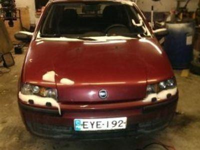 gebraucht Fiat Punto 1.2 vm 2000 kunnostettavaksi tai osina