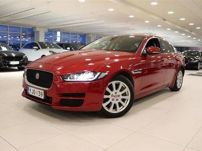 käytetty Jaguar XE 20d Business AWD Aut PURE, Webasto kaukosäädöllä. Xenon ajovalot, Care, Navigointi