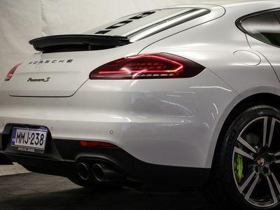 käytetty Porsche Panamera S E-Hybrid E- (Facelift, Soft Close, Bose, PASM, Sport Putkisto, Kattoluukku, PCC)