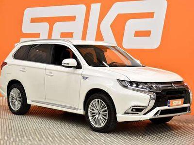 käytetty Mitsubishi Outlander P-HEV Instyle Business X 4WD 5P ** KeyLess / 360° Kamera / Nahkasisusta / Sähköluukku / LED / Koukku **