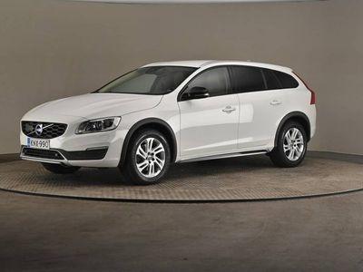 käytetty Volvo V60 CC D4 AWD Business Summum A (MY17.1) -Vetokoukku, HighTech paketti-
