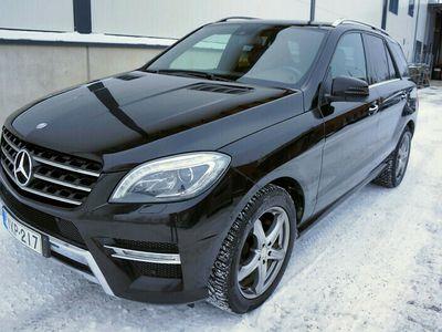 käytetty Mercedes ML350 d 4Matic AMG, Designo-sisusta, Kauko-ohj.Webasto, Taittuva-vetokoukku, Panorama, Muistipenkit, ...
