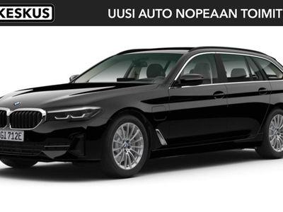 käytetty BMW 530 5-sarja G31 Touring 530e xDrive A Charged Edition - Erittäin tilava e xDrive Touring nopeaan toimitukseen!