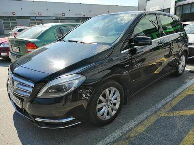 käytetty Mercedes B180 BE A Premium Business - Ensimmäiseltä omistajalta, hyvällä huoltohistorialla ja kattavilla varus
