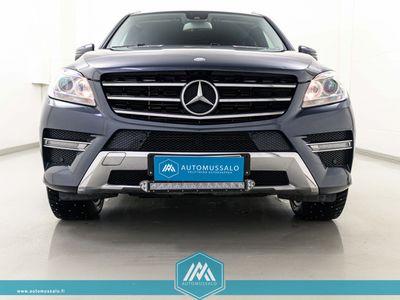 "käytetty Mercedes ML350 CDI BE 4Matic AMG-line *Navi, Harman Kardon, Nahkasportit, BT, Tutkat, 20""*"
