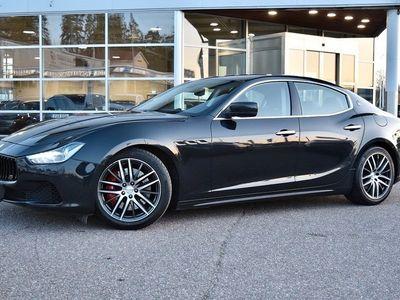 käytetty Maserati Ghibli SQ4 301kW, Sport-pakoputkisto, Business Plus & Sport-varustepaketti, Premium Sound, Peruutuskamera