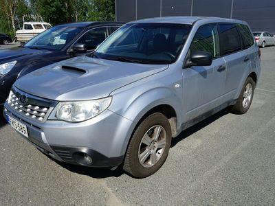 käytetty Subaru Forester 2,0 X TD EM Business / Bluetooth / Automaatti ilmastointi / Vakionopeudensäädin