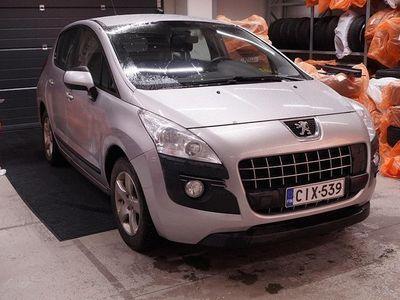 käytetty Peugeot 3008 Limited 120 VTi ** Suomi-auto / Vetokoukku / Cruise / Juuri tullut! **