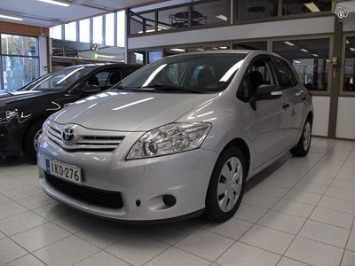 käytetty Toyota Auris 1.33 DUAL VVT-I STOP & START LINEA TERRA 5OV