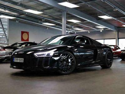 käytetty Audi R8 Coupé V10 Plus 5,2 FSI quattro S tronic, Milltek®, Laajennettu Carbon-Optiikka, Laser, Magnetic Ride