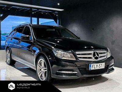 käytetty Mercedes C220 CDI FACELIFT ** Bluetooth / Tutkat / Lohko ja sisäpistoke **