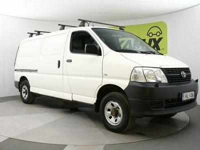 käytetty Toyota HiAce 2,5 D-4D 117 5ov 4WD Webasto / Takatilan hyllyt / Koukku