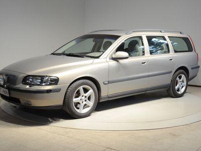 käytetty Volvo V70 2,3 Turbo AT Sportswagon T5 - Hyväkuntoinen, tehokas autom.vaihteinen T5, 250 hv!