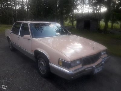 käytetty Cadillac Deville Sedan4,5 V8+aut. + varaosa-auto