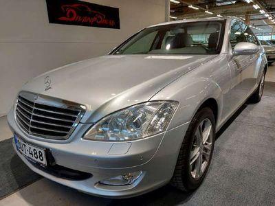 käytetty Mercedes S320 CDI Webasto, Huoltokirja, Navi, Xenonit, Cruise, 2xenkaat, Parkkitutka, Nahkaverhoilu ym. Käsiraha0%korko alk.2,5%