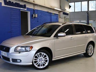 käytetty Volvo V50 T5 AWD (220 hv) Momentum aut, TEHOKAS BENSA-NELIVETO!