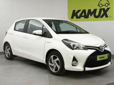 käytetty Toyota Yaris 1.5 Hybridi Active automaattinen ilmastointi / vakionopeussäädin / multimediajärjestelmä, jossa peruutuskamera ja ajotietokone