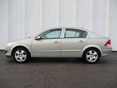 käytetty Opel Astra 1.6-16 115 Enjoy Sedan AAC, AJ. VAIN 84TKM, TODELLA HIENO, 100% HUOLLETTU LÄNSI-SAKSAN MOSSE JOPA ILMAN KÄSIR...