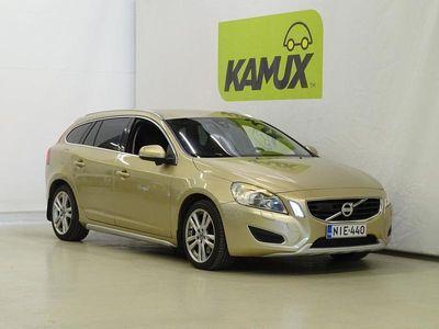käytetty Volvo V60 D5 AWD Summum aut / Hyvät varusteet / Adapt.vakkari / Suomi-auto / Keyless / Blis / Vetokoukku /