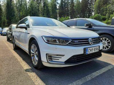 käytetty VW Passat Variant GTE Plug-In Hybrid 160 kW (218 hv) DSG-automaatti*Vetokoukku* *** J. autoturva saatavilla, J