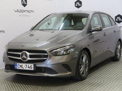 käytetty Mercedes A180 BLaunch Edition Style / Kamera / Navi / Kaista-Varoitin / Tehdastakuu / Rahoitus / Vaihto