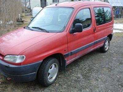 käytetty Peugeot Partner 1,8 bensiini