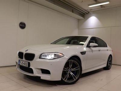 käytetty BMW M5 F10 Sedan, M Drivers paketti, Kamera, Navigointi, Muistipenkki, Nahkasisusta, PDC