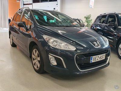 käytetty Peugeot 308 SW Allure e-HDi 112 FAP Limited ** Panorama / Vakkari / P. tutka / Lohko + sisäpistoke **