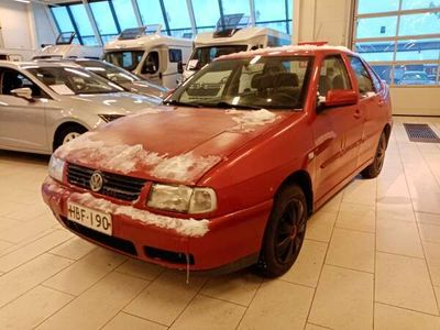 käytetty VW Polo Polo 4DCLASSIC 1.4-6KV/244 - Edullinen auto!