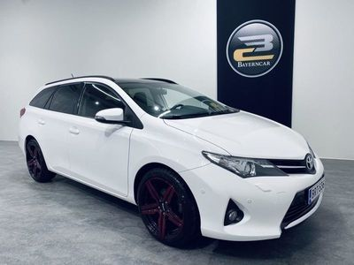 käytetty Toyota Auris Touring Sports EDITION 1,6 **NAVI, PERUUTUSKAMERA, LASIKATTO & KORKOTARJOUS 0,89%**