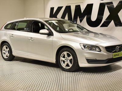 käytetty Volvo V60 D2 Kinetic / Juuri katsastettu / Navi / Jakohihna juuri vaihdettu / City Safety / Vakionopeudensäädi