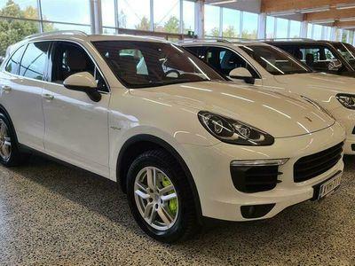 käytetty Porsche Cayenne S E-Hybrid E- *Suomiauto, Muistipenkki, sähköluukku, nahkasisusta* *** TARJOUS 1.99% KORKO + KULUT, 6k